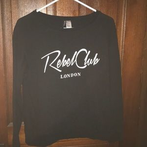 NEW LISTING!! Black H&M Sweatshirt